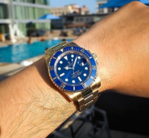 Rolex Submariner - Dourado fundo Azul