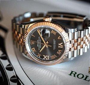 Rolex Submariner - Prata e Dourado fundo Preto