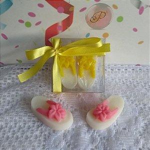 Lembrancinha de Maternidade Chá Revelção Sabonete Chinelo