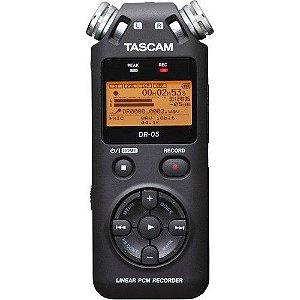Gravador Digital Portátil Tascam DR-05 com Memória de 2 GB