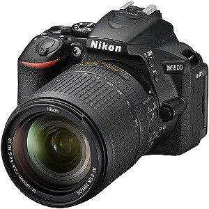 Câmera DSLR Nikon D5600 com lente 18-140mm