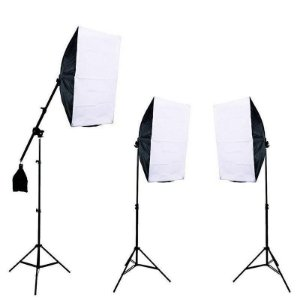 kit Iluminaçao  PKSB04- 03 softbox 50X70 + 02 Tripes Alt 2mt + 01 Girafa.