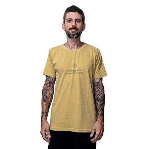 Camiseta Outstanding Estonada Exceptional Amarela