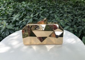Bolsa Clutch Metal Dourada Facetada