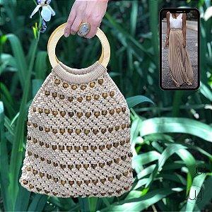 Bolsa de Crochê Bege com Aplicações de Madeira