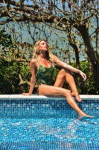 BODY CAVADO CAMUFLADO COM REGULAGEM LATERAL