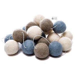 Guirlanda de Bolinhas de Feltro Combinação Azul Claro, Cinza e Branco