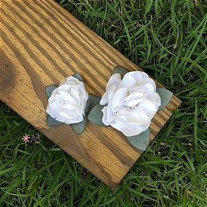 Flores de tecido para enfeitar e decorar placas