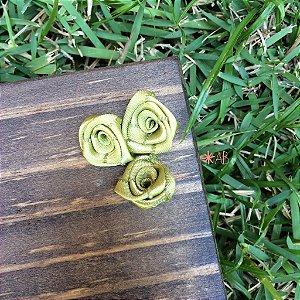 Mini rosas de cetim verde