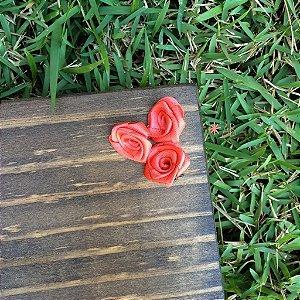 Mini rosas de cetim rosa para decorar placas para casamentos e festas