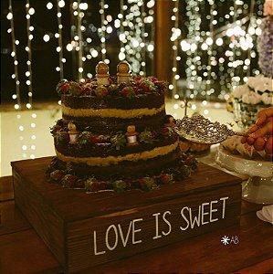 Base para bolo em madeira para casamentos e aniversários