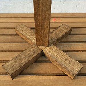 Base para placas de chão ficarem em pé no chão duro