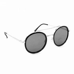 Óculos de Sol Prateado com Lente Preta