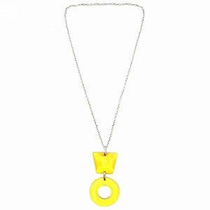 Colar Prateado Longo Geométrico Amarelo
