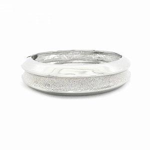 Pulseira Bracelete Prateada Vazada com Textura