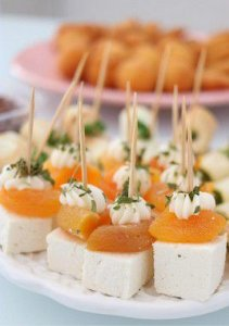 Palito de ricota, damasco e cream cheese