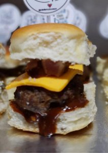 Mini - Hambúrguer Gourmet Cheddar