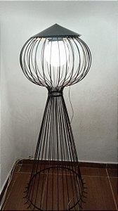 luminária de chão em ferro para jardim sitio
