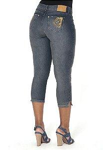1756995-Calça Capri Jeans