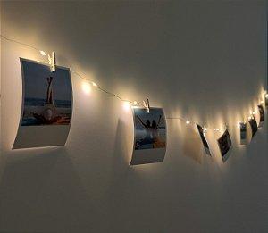 Fio de led + pilhas + 10 fotos polaroids + 10 pregadores