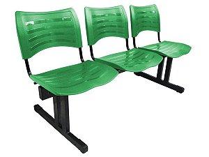 Cadeira Iso em longarina 3 lugares Linha Polipropileno Iso Verde
