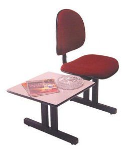 Cadeira Executiva e mesa para recepção Linha Office Vermelho