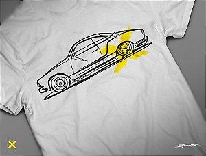 Camiseta VW Karmann Ghia por Adonis Alcici - Desenho Automotivo
