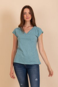 Camiseta Pochê azul claro