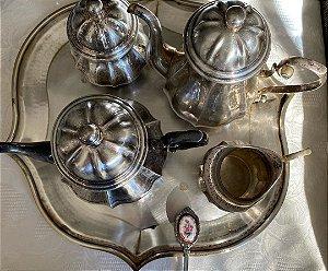 Jogo de Chá e Café Prata