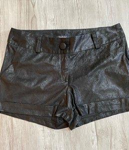 Shorts Couro Craquelado