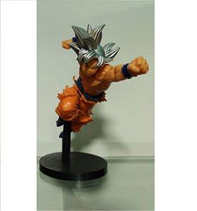Boneco Son Goku Ultra Instinct Z (Cabelo Prata)