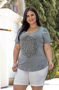 Blusa Feminina Plus Size Gola Redonda Mandala Cinza