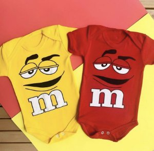 Kit Body Bebê Gêmeos M&M's