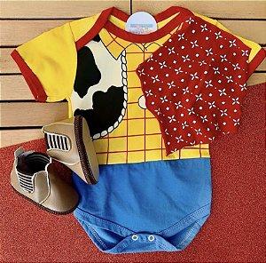 Kit Body Bebê Toy Story Xerife Woody com Lenço e Bota Jeca