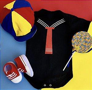 Kit Body Bebê Kiko com Boina, Pirulito e Tênis Basic Vermelho