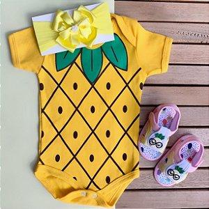 Kit Body Bebê Frutinhas Abacaxi com Faixa de Cabelo e Sandália