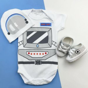 Kit Body Bebê Astronauta com Touquinha e Tênis Cinza