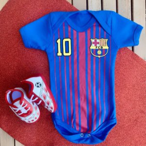Kit Body Bebê Barcelona com Chuteira Vermelha
