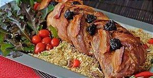 Lombo à califórnia (ameixa e bacon)