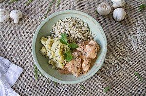 Strogonoff de frango com purê de batata-doce e arroz integral com chia (glúten free) - 400g
