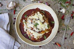 Lasanha de shitake e alho-poró com molho de tomate artesanal (vegetariano) - 400g