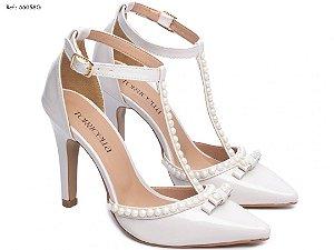 Sapato Scarpin Off-White e Perolas Decorado