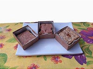 Mini Brownie Loirinho com gotas de chocolate branco e nozes