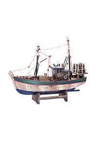 Barco pesqueiro marrom e verde