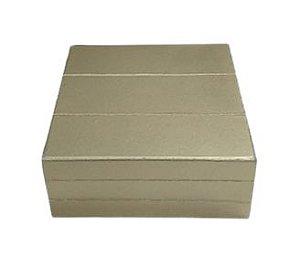 Caixa quadrada dourada P