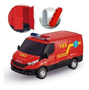 Brinquedo Van Iveco Daily Resgate Bombeiro Com Acessórios Usual Brinquedos