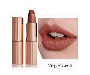 Matte Revolution Lipstick - Very Victoria
