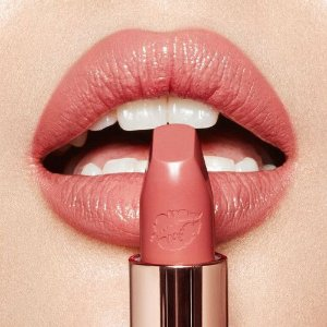 Hot Lips Lipstick - In Love With Olivia