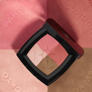 Chanel Voyage pallete blush and Illuminating powder