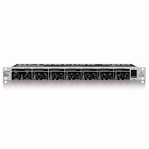 Mixer de Áudio Ultralink Pro Behringer MX882 8 Canais